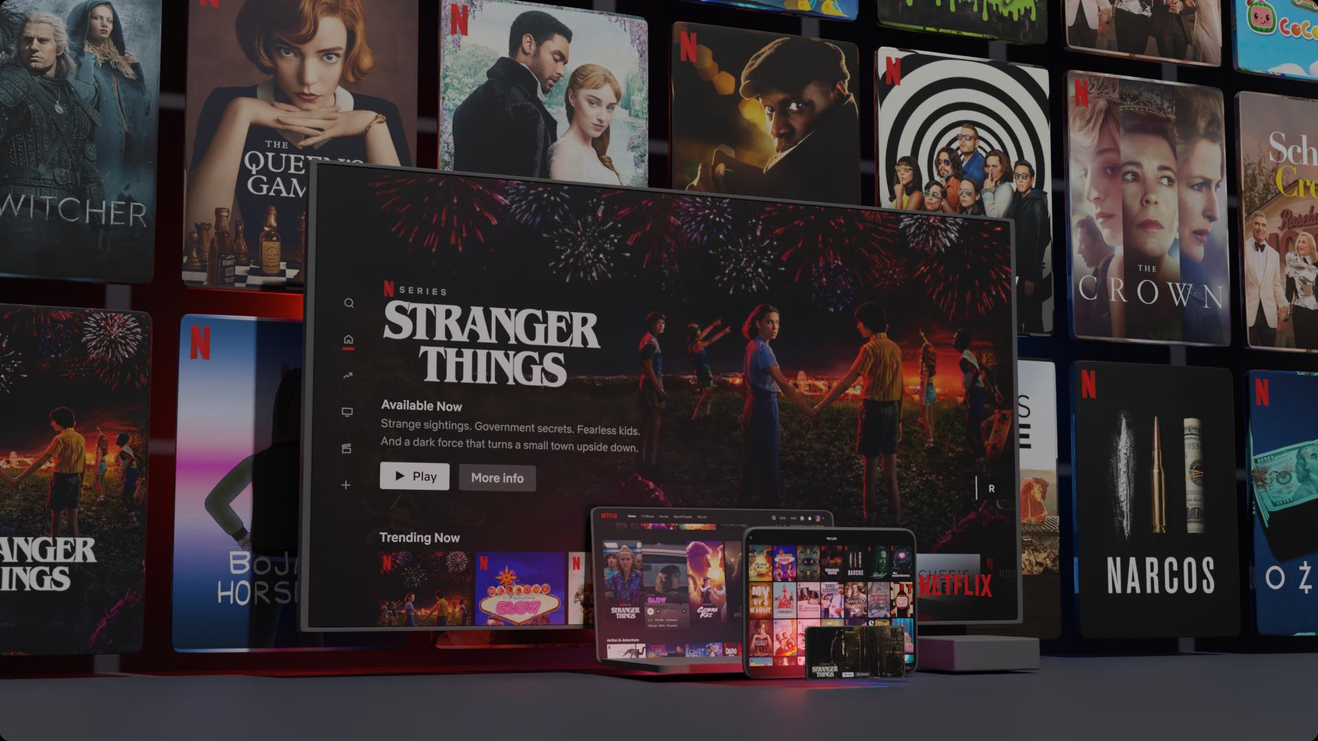 Títulos da Netflix exibidos em diferentes aparelhos